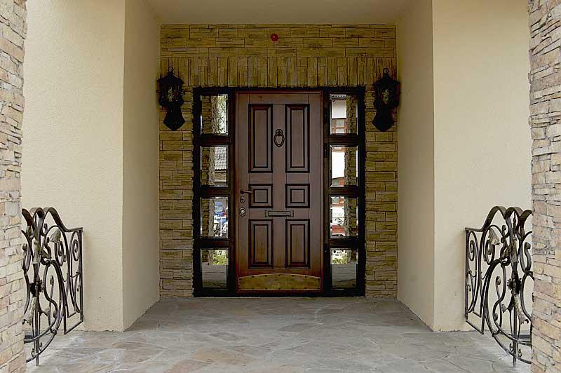 металлических входных дверей